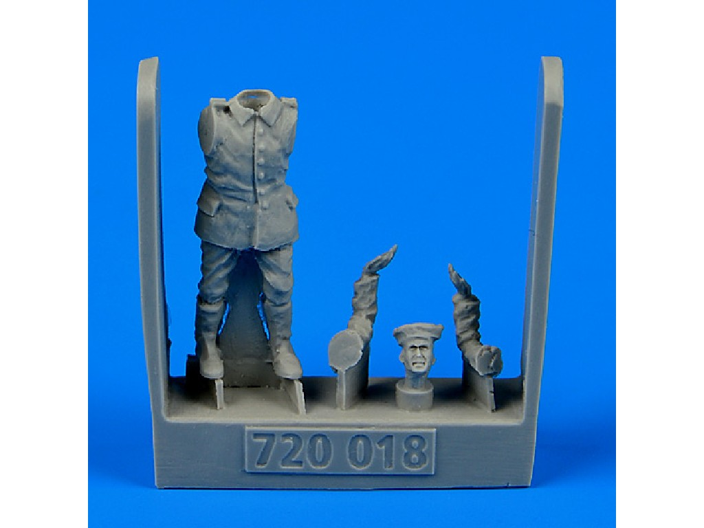 Aires - 720018 - German and Austro-Hungarian Aircraft Mechanic 1:72