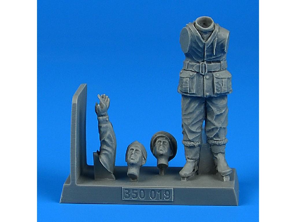 1/35 British WW2 Sailor for the HMS X-craft submarine for MERIT kit