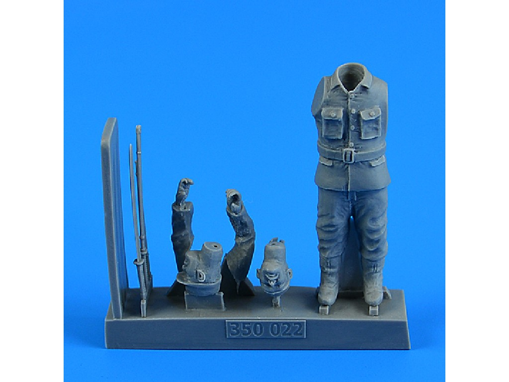 Aires - 350022 - Japanese WWII suicide officer for the Japanese Suicide Craft Kaiten II for MICROMIR kit 1:35