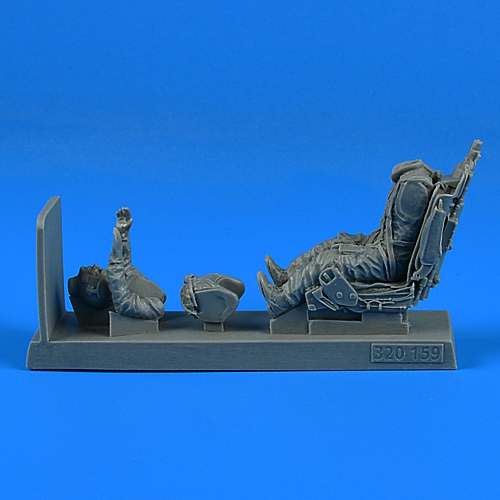 1/32 Soviet Pilot with ej. seat for MiG-21 for TRUMPETER kit