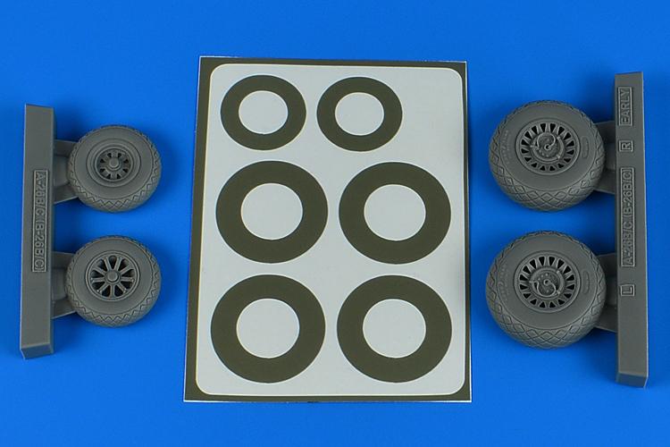 1/48 A-26B/C (B-26B/C) Invader wheels + paint masks early - diamond pattern for ICM kit