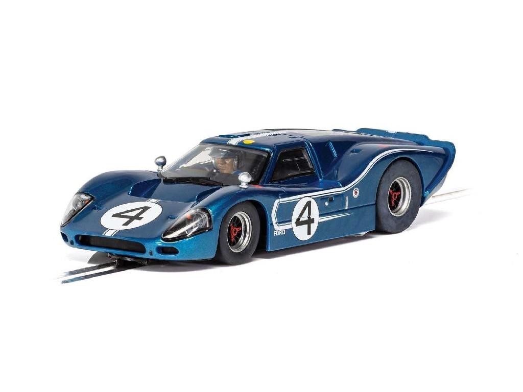 Autíčko GT SCALEXTRIC C4031 - Ford GT MKIV - 1967 LeMans 24Hrs - Denny Hulme/Lloyd Ruby No.4 (1:32)