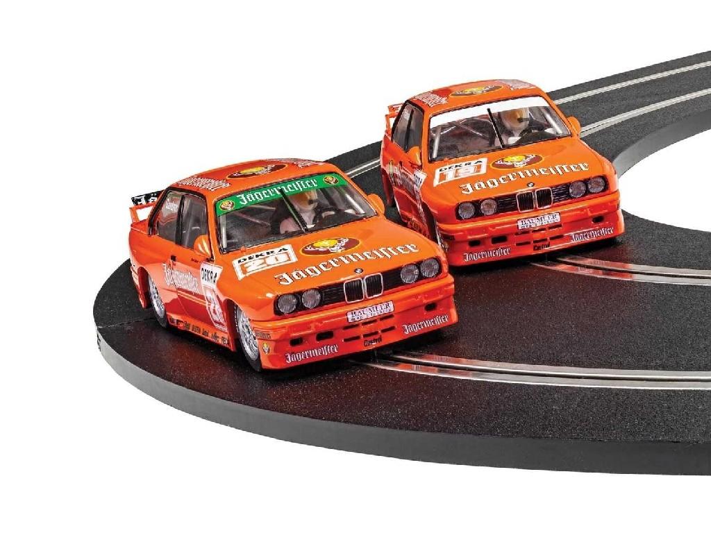 1/32 Autíčko Limited Edition SCALEXTRIC C4110A - BMW E30 M3 - Team Jagermeister Twin Pack