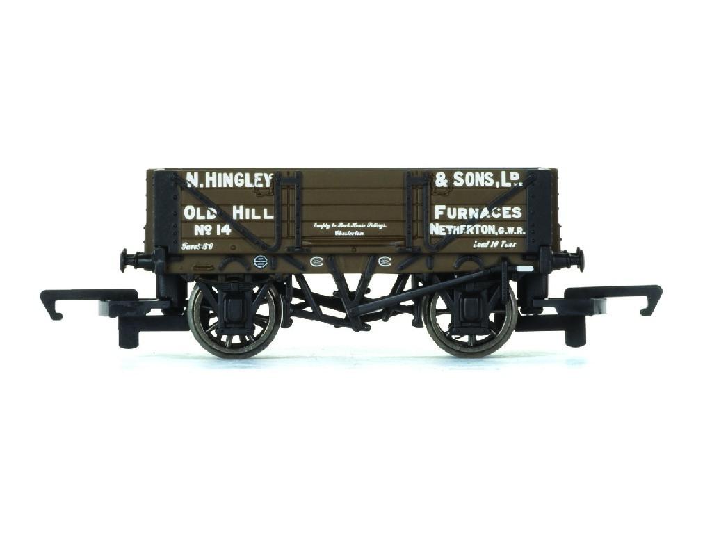 Vagón nákladní Hornby R6745 - 4 Plank Wagon Hingley & Sons Ltd