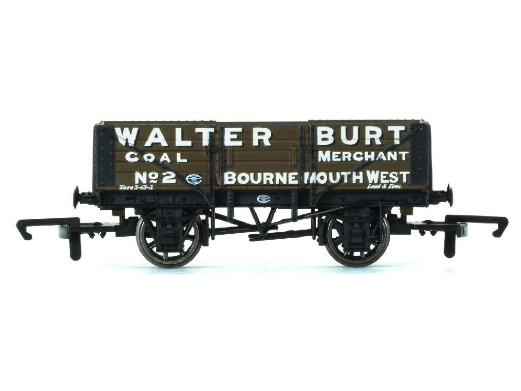 Vagón nákladní Hornby R6747 - 5 Plank Wagon Walter Burt